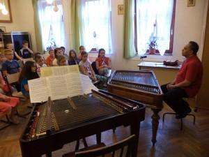04.-NTP-AMI-14-0131--előadás-balogh-kálmán-cimbalomművész